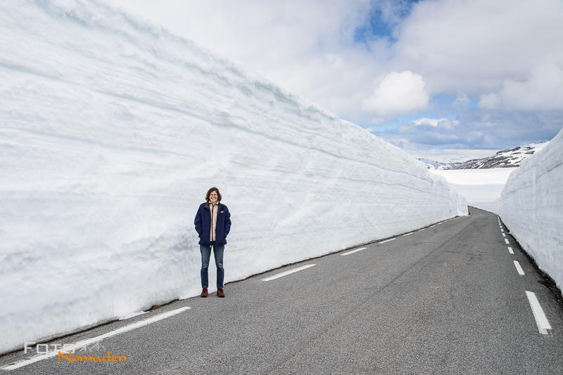 Fotonomaden-Norwegen-Straße-Schnee-Juni