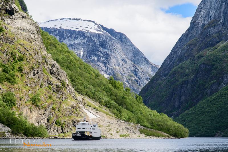 Fotonomaden nach Norwegen Autofähre-Fjord