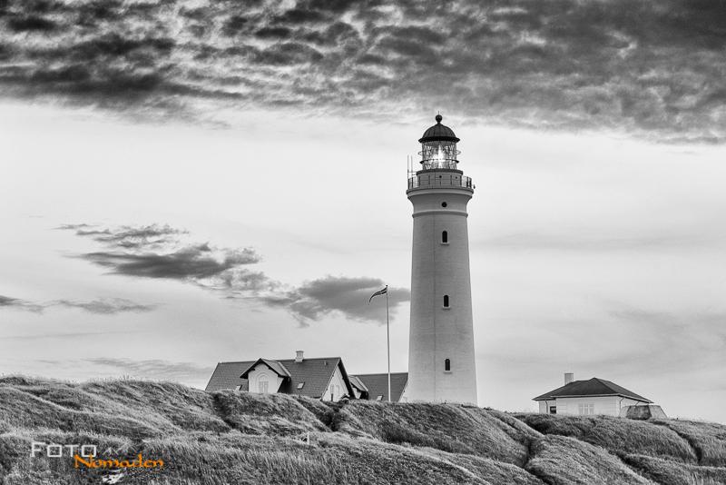 Fotonomaden-Norwegen-Schwarzweiß-Leuchtturm