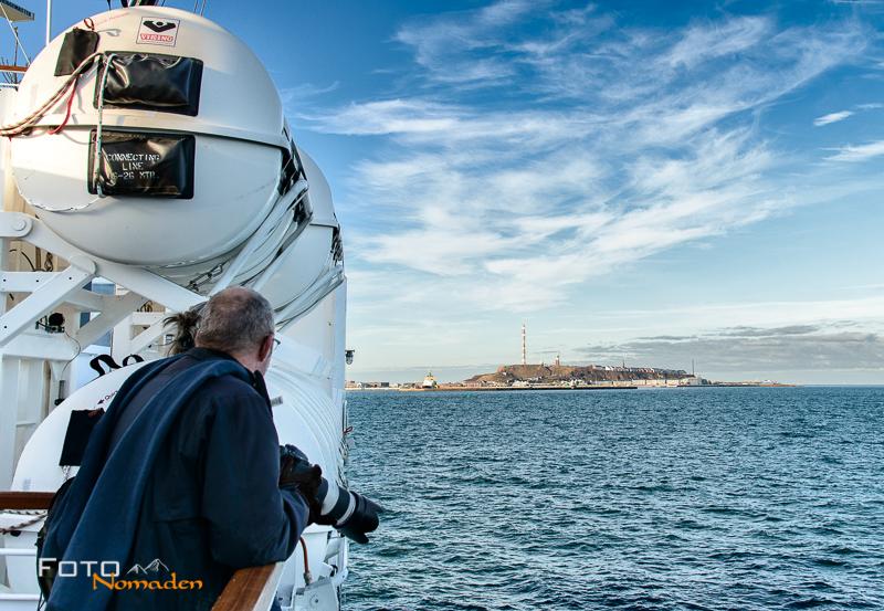Blick vom Schiff auf die Insel Helgoland