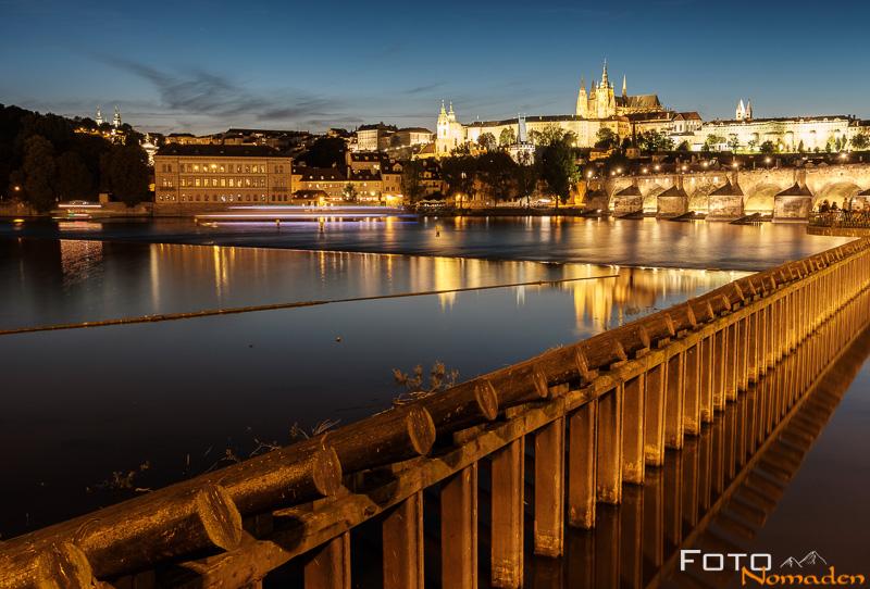 Nachtaufnahme in Prag leicht gemacht