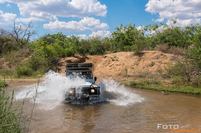 Madagaskar Reiseroute Fotonomaden Flussdurchquerung Landrover