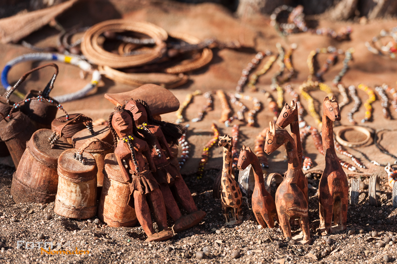 Namibia Rundreise Fotonomaden Himba Souvenirs