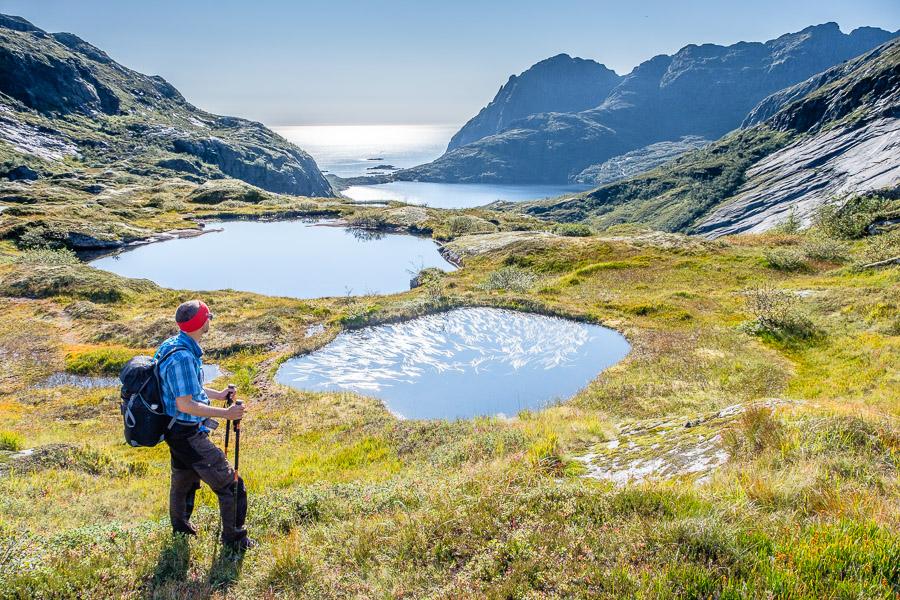Seen-Panorama am Munkebu Wanderweg - Lofoten/Norwegen Fotonomaden.com