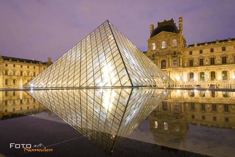 Städte fotografieren: Louvrepyramide bei Sonnenaufgang