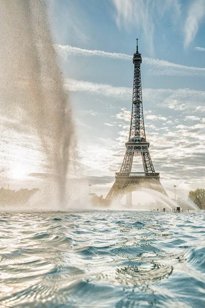 Städtefotografie Paris Eiffelturm mit Wasserfontäne