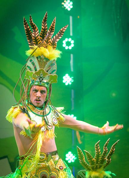 Eventfotografie Tänzer beim Karneval auf Teneriffa auf der Bühne - Fotonomaden
