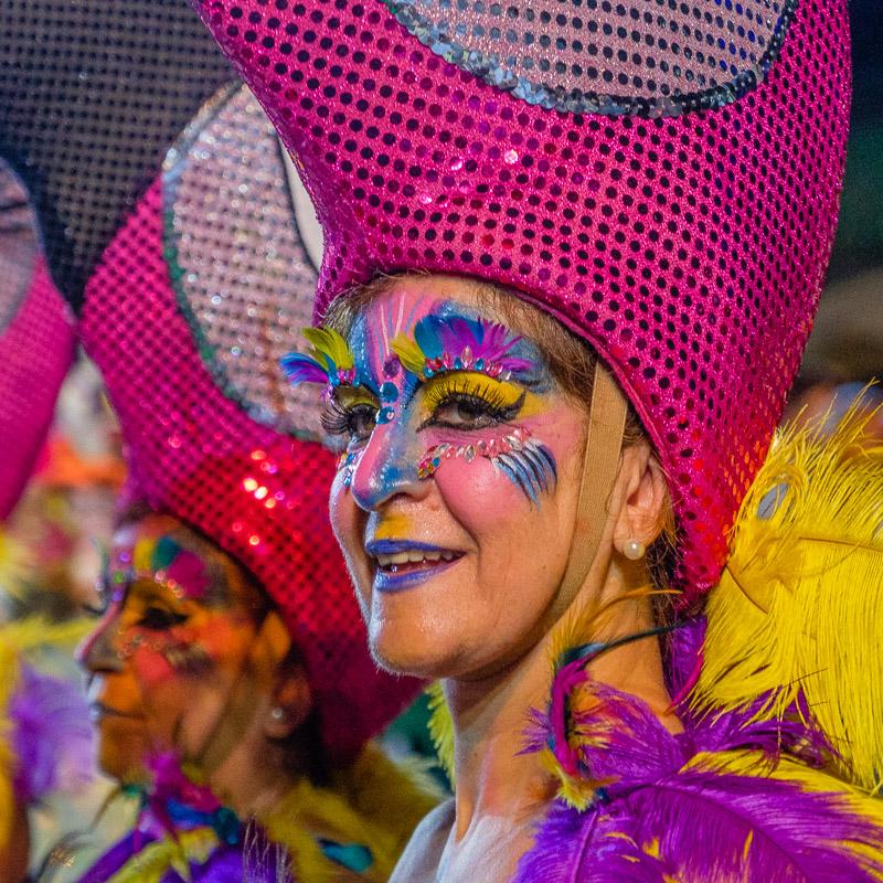 Eventfotografie: Karnevalporträt ohne Blitz - Fotonomaden