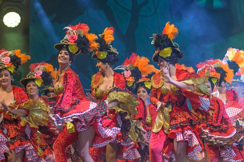Eventfotografie Störendes Scheinwerferlicht bei Bühnenshow - Fotonomaden