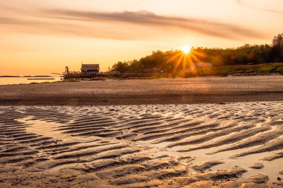 Sonnenuntergang am Strand in Norwegen - Fotonomaden