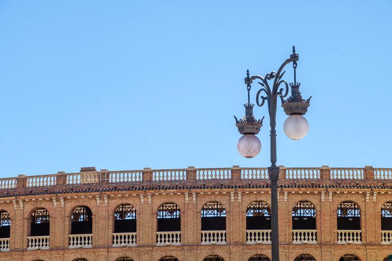 Arena und Straßenlaterne Valencia Sehenswürdigkeiten