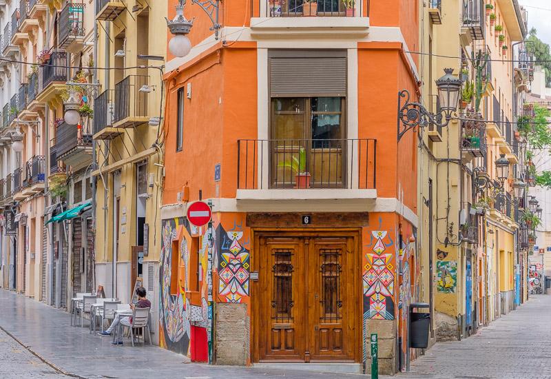 Gebäude mit Streetart Valencia Sehenswürdigkeiten