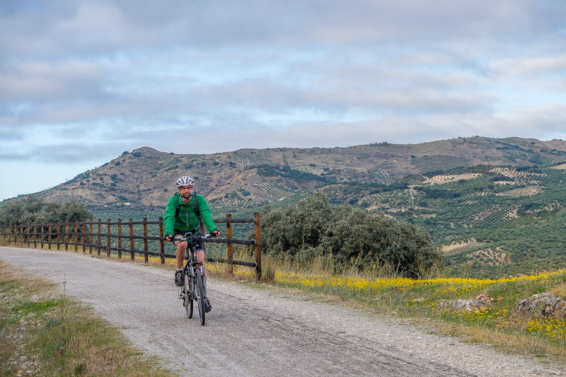 Markus fährt Rad auf der Via Verde del Aceite