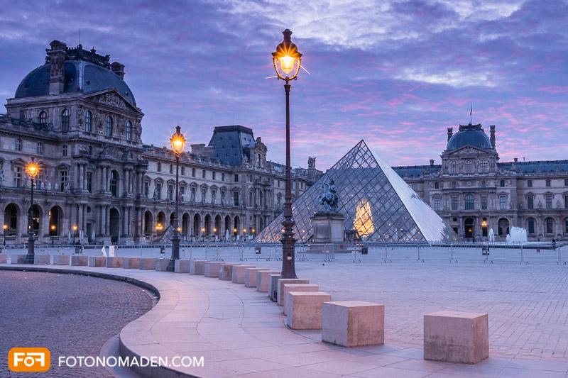 Louvre, blaue Stunde, Bildgestaltung mit Linien