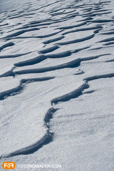 Unterbelichteter Schnee im Automatikmodus
