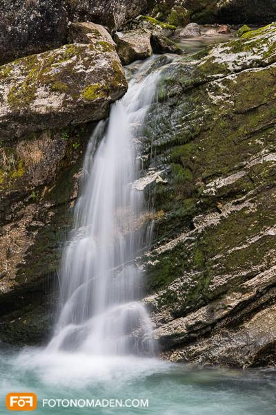 Wasser im Fels mit Langzeitbelichtung manuell fotografiert