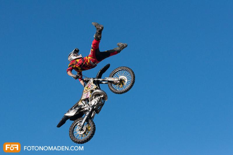 Motorrad Stunt - Sprung manuell fotografiert