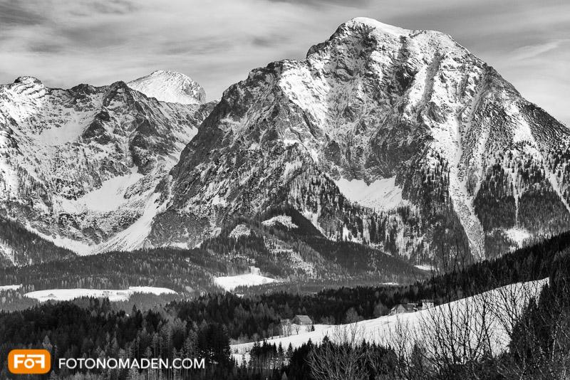 Bergfotografie - Spannender Kontrast in Schwarz-Weiß