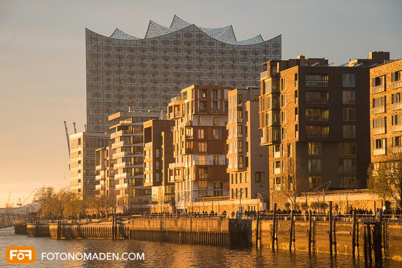 Städtefotografie Hamburg Elbphilharmonie zur goldenen Stunde