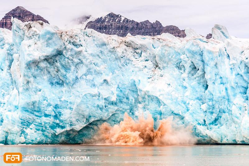 Bildgestaltung im manuellen Modus: Gletscherwand bei der etwas abbricht