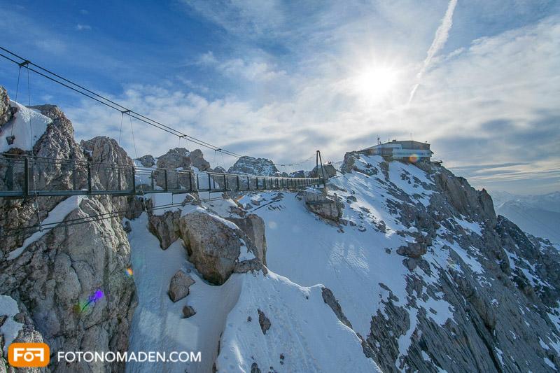Dachstein Gletscher Hängebrücke im Gegenlicht