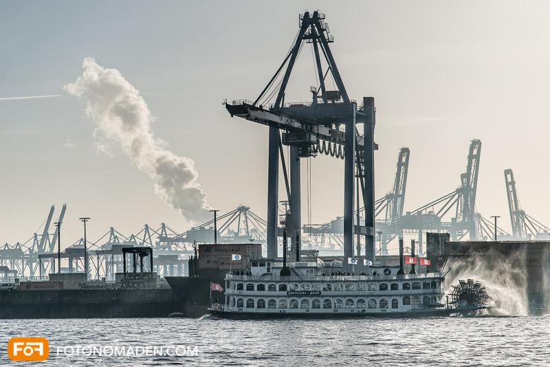 Foto Reiseführer Hamburg - Schaufelraddampfer